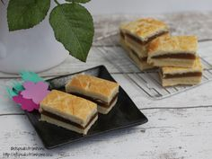 White Lotus Sandwich Cookies - ET Speaks From Home