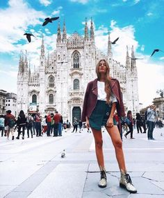 travel pictures travel photos milan italy poses milan fashion bella italia