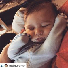 #Repost @kneedyounow with @repostapp How sweet is this little cutie? Thanks for sharing @kneedyounow ! #armsup #lovetodream #SwaddleUp