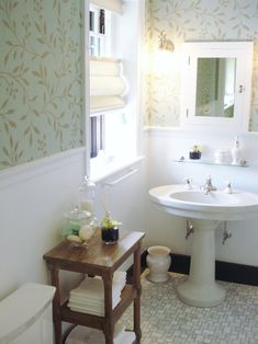 Traditional Bathroom Wallpaper Design, Pictures, Remodel, Decor and Ideas