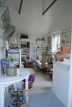 BUTIK VITA RANUNKLER shop interior  A bit to white for me but lovely x