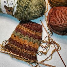 Socks, Accessories, Weaving Looms, Dots, Sock, Stockings, Ankle Socks, Jewelry Accessories, Hosiery