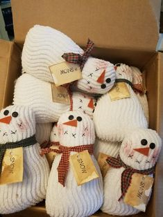 Christmas To Do List, Christmas Arts And Crafts, Christmas Activities, Christmas Projects, Holiday Crafts, Quilted Christmas Ornaments, Primitive Christmas, Christmas Snowman, Christmas Diy