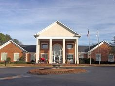 Thomson (GA) White Columns Inn United States, North America White Columns Inn is perfectly located for both business and leisure guests in Thomson (GA). The hotel has everything you need for a comfortable stay. Business center, bar, express check-in/check-out, 24-hour front desk, pets allowed are there for guest's enjoyment. Each guestroom is elegantly furnished and equipped with handy amenities. The hotel's peaceful atmosphere extends to its recreational facilities which incl...