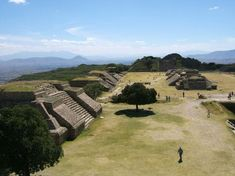 Google Image Result for http://www.internationalcenter.com/learn_spanish_abroad/mexico/oaxaca/images/monte_alban_2__oaxaca__mexico.jpg