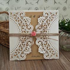 Romantische Rose und Spitze Hochzeitseinladungskarte OPL177