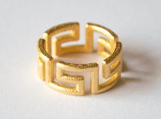 Labyrinthos Ring 3d printed