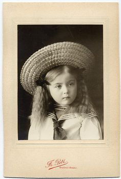 +~+~ Antique Photograph ~+~+ Sweet Girl In Straw Hat