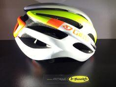 #casco #ciclismo #carretera #road #LaBicicleta GIRO FORAY Cycling Clothes, Cycling Wear, Bike Wear, Cycling Helmet, Cycling Outfit, Bicycle Helmet, Bike Parts, Helmets, Mtb