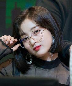 twice twicejihyo kpop parkjihyo jihyotwice parkjisootwice Nayeon, Mamamoo, Kpop Girl Groups, Kpop Girls, The Band, Hyuna, Jihyo Twice, Chaeyoung Twice, Twice Once