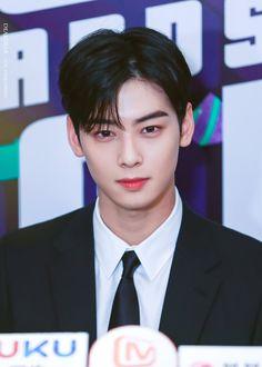 Cute Boys, Pretty Boys, Actors Height, Cha Eunwoo Astro, Good Looking Actors, Lee Dong Min, Astro Fandom Name, Handsome Faces, Korean Star