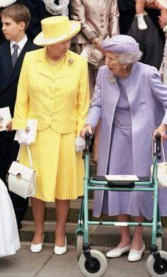 1999 - Queen Elisabeth and Queen Ingrid of Denmark. God Save The Queen, Hm The Queen, Royal Queen, King Queen, Elizabeth Queen Of England, Queen Elizabeth Ii, England Queen, Casa Real, Windsor