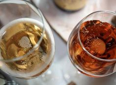 Beyond Cava & Prosecco: Sparkling Wines for Entertaining Champagne Jelly, Champagne Cupcakes, Champagne Vinegar, Pot Mason, Happy Hour Drinks, Wine Brands, Cooking Wine, Wine Parties, Sparkling Wine