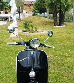 FAR | Qualidade e Rigor acima de tudo - Após mais de 40 anos de sucesso, a FAR srl obteve a posição de líder em espelhos retrovisores e piscas para motocicletas e scooters.  Continue a ir Far, Far Away com os espelhos retrovisores da Far! A Lusomotos tem espelhos, farolins, suportes, lâmpadas, óticas, vidros de farolins, ...! Vai encontrar o que precisa e ao seu gosto! Comprove hoje mesmo!  #lusomotos #FAR #farolins #espelhos #retrovisores #estilodevida #passeio #andardemoto