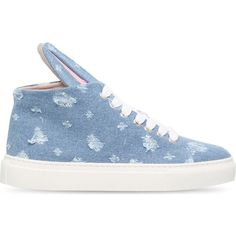 MINNA PARIKKA Bunny denim trainers ($305) ❤ liked on Polyvore featuring shoes, sneakers, denim, minna parikka, lace up shoes, round cap, rubber sole shoes and bunny shoes