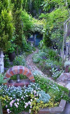 Caminos a jardines con encanto