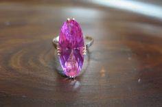 千本透かし blog / CLASSICS HAKOZAKI / 昭和ジュエリー: 564:デッドストック 合成ピンクサファイア 千本透かし(穴透かし) K18 リング #11 Floral, Rings, Flowers, Jewelry, Jewlery, Jewerly, Ring, Schmuck, Jewelry Rings