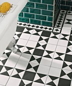 Grosvenor Corner Black/White & Black/Blue