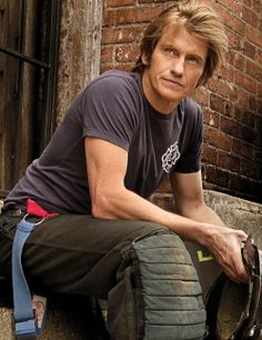 Denis Leary... my kind of funny. and honest, stylish, and all with good hair.
