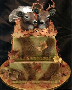 camo hunting wedding cake