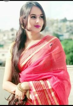 Photography Girl Vintage Smile 46 Ideas For 2019 Beautiful Girl In India, Beautiful Girl Image, Beautiful Saree, Beautiful Asian Girls, Gorgeous Women, Beautiful Bollywood Actress, Most Beautiful Indian Actress, Beautiful Actresses, Beauty Full Girl