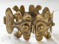 Seppo Tamminen, bronze bracelet from the Mid-century Modern, Architecture Design, Jewerly, Vintage Jewelry, Lion Sculpture, Jewelry Design, Mid Century, Bronze, Statue