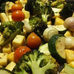 Uunivihannekset - Kotikokki.net - reseptit Broccoli, Vegetarian Recipes, Vegetables, Recipes, Red Peppers, Vegetarische Rezepte, Vegetable Recipes, Veggie Food, Veggies