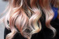 Fear No Beauty Pastel Highlights 1 Service Scout: Super Subtle Pastel Haircolor with Aura Friedman
