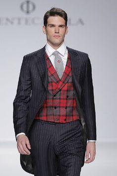 Chaqué con chaleco de cuadros escoceses... Mmm! Otra de las propuestas para el novio de 2014 de Fuentecapala! http://www.boda.tv/Pasarela/gaudi-novias-2013/novio/fuentecapala.htm