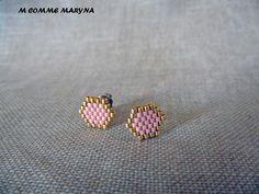 Boucles d'oreilles clous perles Miyuki tissée main Bohochic Bohostyle Bohemian Rose et doré : Boucles d'oreille par m-comme-maryna