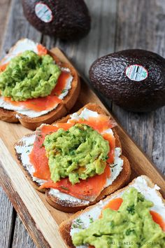 Discover recipes, home ideas, style inspiration and other ideas to try. Healthy Food Choices, Healthy Snacks, Healthy Recipes, Simple Recipes, Salmon Y Aguacate, Real Food Recipes, Yummy Food, Chilean Recipes, Light Recipes