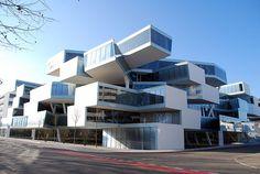 Actelion Business Center, Basel -  Herzog & de Meuron Architects #edificios #buildings #vidrio #glass #vidro #ventanas #windows #janelas