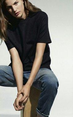 simple look   jeans + black top