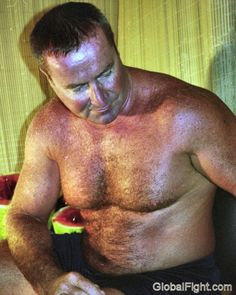 hunky musclebears blog