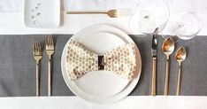 3 ways to fold a napkin for a pretty table setting - video how-tos via @PureWow