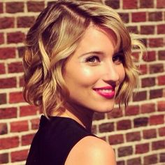 Love Dianna Agron's effortless waves. This style is so versatile and goes with almost anything!