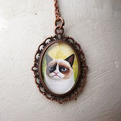 grumpy cat necklace :)