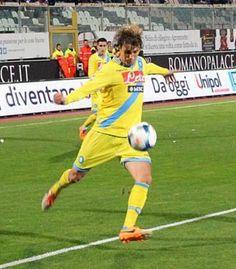 """Napoli. Henrique su Twitter: """"Che gioia per il gol. Esultanza"""