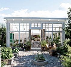 Lantliv.com visar 10 vackra växthus.                                                                                                                                                                                 More