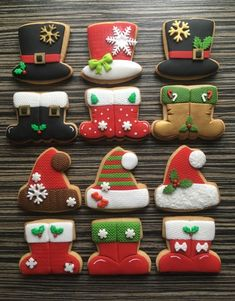 Christmas cookies - cake by sansil (Silviya Mihailova) Christmas Sugar Cookies, Christmas Sweets, Christmas Mood, Christmas Goodies, Holiday Cookies, Christmas Baking, Fancy Cookies, Iced Cookies, Cute Cookies