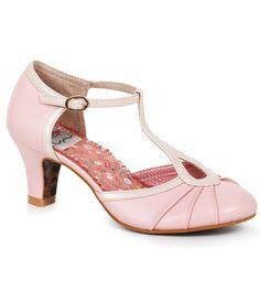 Bettie Page Light Pink & Metallic Leatherette Keyhole Eris T-Strap Heels Vintage Inspired Shoes, Vintage Style Shoes, Vintage Outfits, Vintage Fashion, Shoes Style, Bettie Page Shoes, T Strap Shoes, Vintage Mode, Metallic Shoes