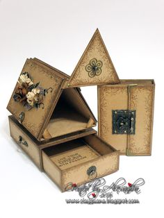 *ClayGuana: Photo House Keepsake Box With a Drawer and an Album