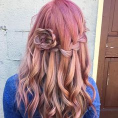 April showers bring May flowers! We can't get enough of this floral, fuschia L'ANZA look from stylist Sarah Perrotto at Carter Hair Salon!