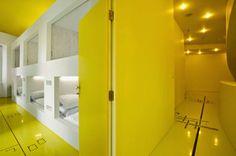 Una selección de recursos innovadores de señalización para museos, restaurantes y tiendas / Goli  Bosi Split Design Hostel, Hostal, Studio Up, Croacia