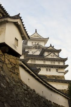 Himeji Castle main keep, recently unveiled after years of restoration work. Photo by Japanresor (CC BY-SA) Places Around The World, Around The Worlds, Himeji Castle, Go To Japan, Historical Landmarks, Japan Photo, Aesthetic Themes, Asian Art, Beautiful World