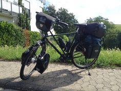 Endlich geht es los!! Ich freu´ mich wie´n Schnitzel! Mein Tagesziel heute liegt irgendwo nördlich von Frankfurt am Main.  Irgendwie ist mein Fahrrad + Gepäck noch schwerer geworden als beim letzten mal...
