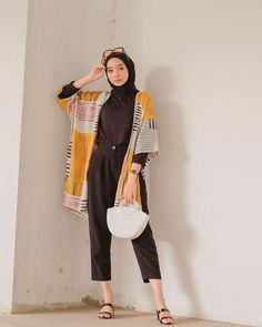 Modest Fashion Hijab, Modern Hijab Fashion, Street Hijab Fashion, Modesty Fashion, Casual Hijab Outfit, Hijab Fashion Inspiration, Muslim Fashion, Fashion Outfits, Ootd Hijab