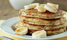Here you can get huge collection of recipes for delicious healthy pancakes. Best method for yummy healthy pancake recipe - Oatmeal pancakes recipes. Plats Weight Watchers, Weight Watchers Meal Plans, Weight Watchers Diet, Casserole Enchilada, Ww Recipes, Cooking Recipes, Flourless Banana Pancakes, Cocina Natural, Gluten Free Sweets