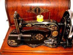 SINGER MODEL 12 SEWING MACHINE, SINGER NEW FAMILY SEWING MACHINE, SINGER FIDDLEBASE BOBBINS, SEWALOT