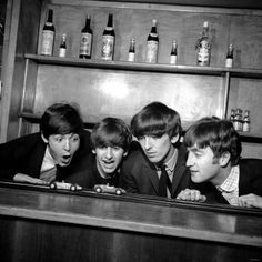 The Beatles in Coventry Before the Show at Coventry Theatre Fotoprint
